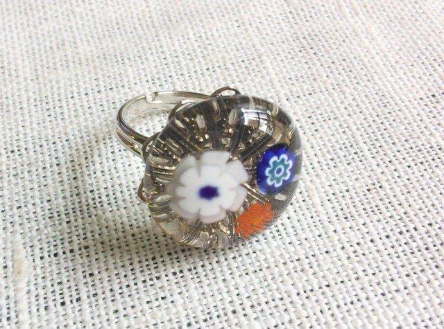 ガラスのリング(花・ライトグレー2)の画像1枚目