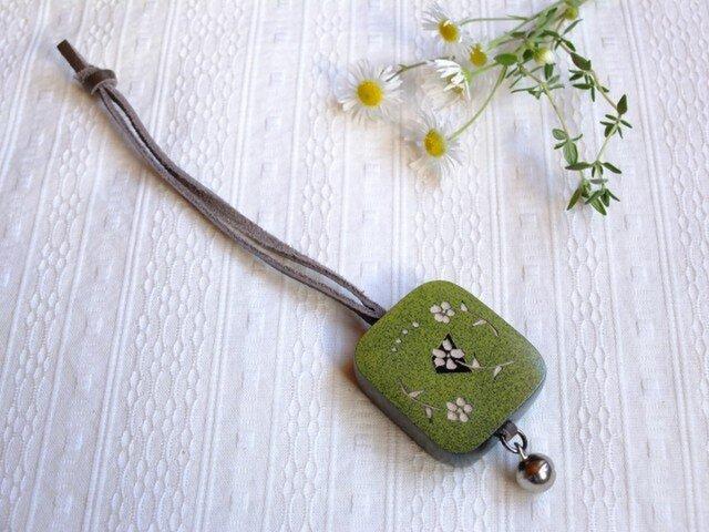 木製 鈴つき キーボルダー(草色:グリーン)の画像1枚目