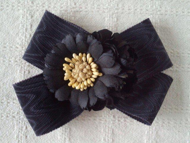 和風リボンと染め花の2wayコサージュ(黒)の画像1枚目