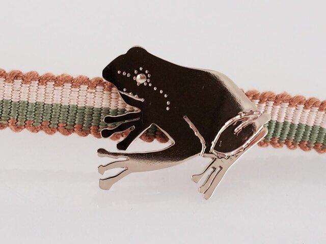 ◇雨蛙◇真鍮帯留めの画像1枚目