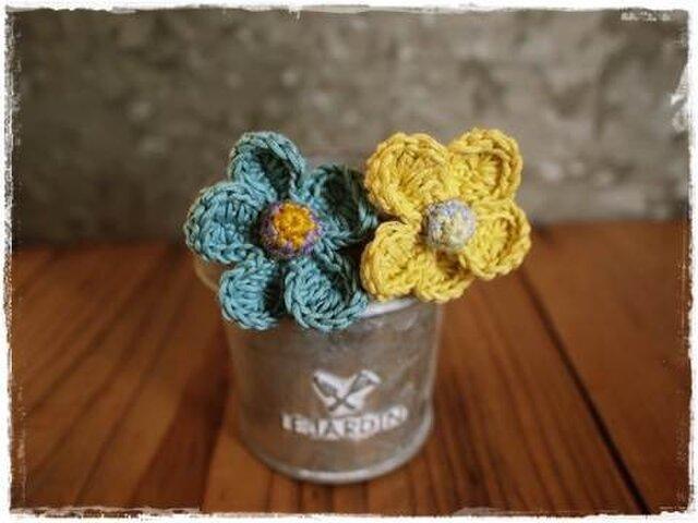 お花のシュシュヘアゴム2個セット ブレスレットにも(ブルー)の画像1枚目