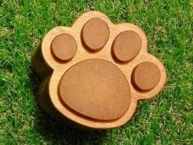 木製☆猫の肉球小箱☆チェリーの画像1枚目