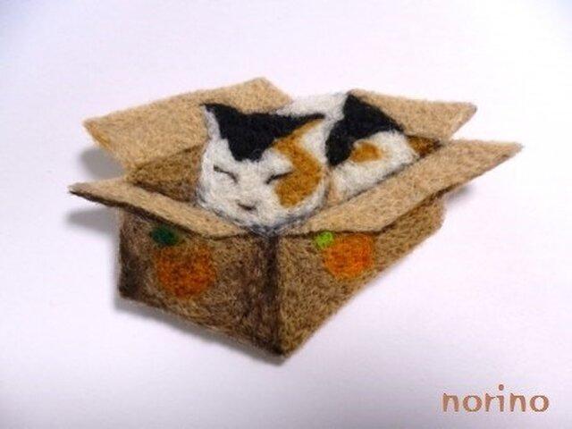 ■羊毛フェルト 箱に入った猫ちゃんブローチ■の画像1枚目
