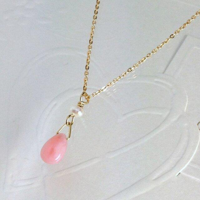 ピンクオパールとパールのネックレスの画像1枚目
