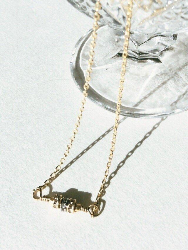 ラインストーンのロンデルのネックレスの画像1枚目