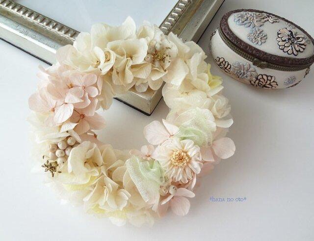 ミニダリアと紫陽花のリース*white*の画像1枚目