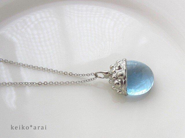 [sold] ステンドグラスのネックレス-ベリー(みずいろ)の画像1枚目
