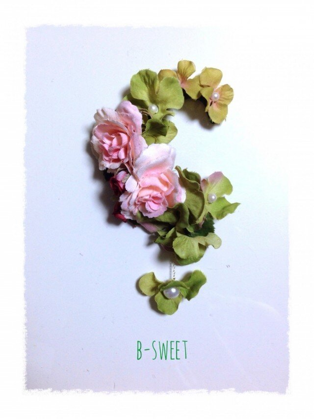 紫陽花とローズのイヤーフックE (ピンク)右耳用の画像1枚目