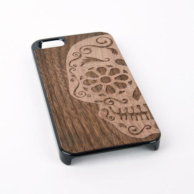 木彫りのスマホカバー 花柄ドクロ(iPhone SE 専用)Walnut Smart Phone Coverの画像1枚目