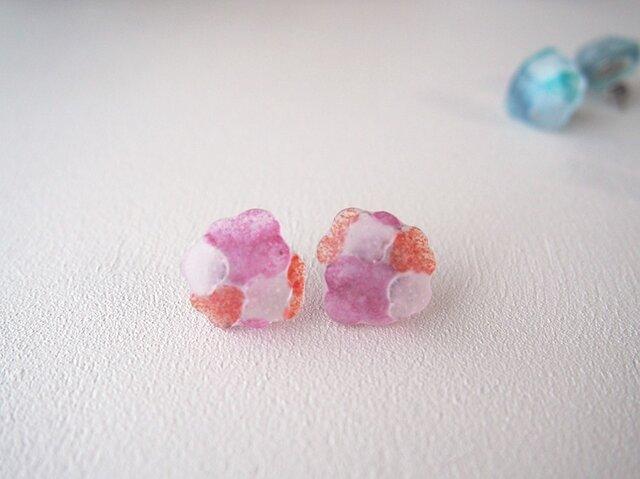 ガラスのピアス ピンクの画像1枚目