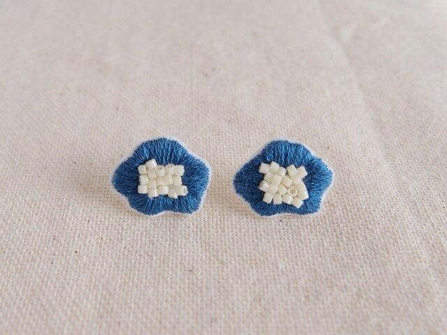 <受注制作>flower earring / blueの画像1枚目