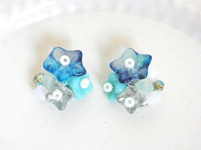 夏色花束イヤリング blue(ピアス変更可)の画像1枚目