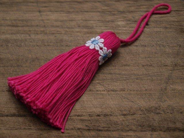 【完売】❁お花タッセル❁ 【マーガレット】バッグチャーム オーナメント キーホルダー ピンクの画像1枚目