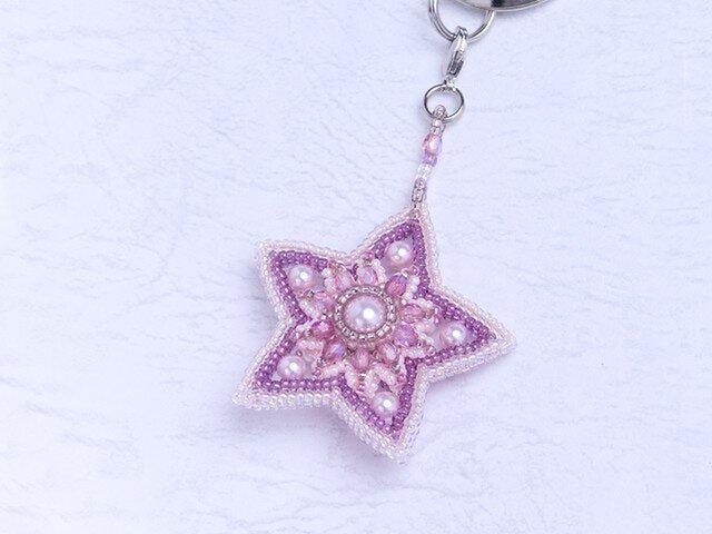 星型のモチーフキーホルダー・ピンクの画像1枚目