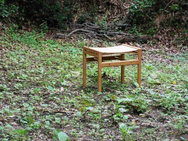 bow stoolの画像1枚目