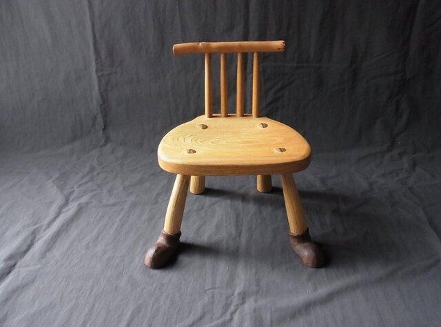 靴を履いた子椅子の画像1枚目