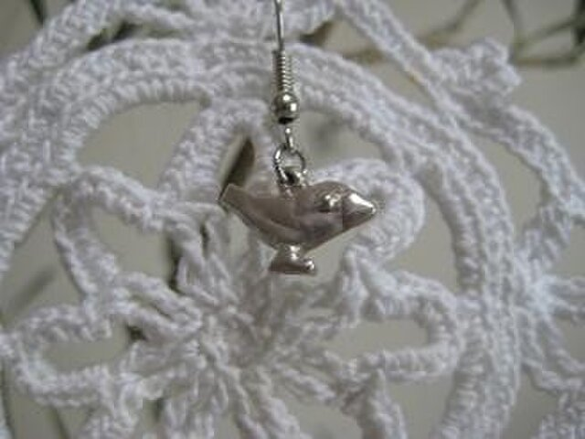 [再出品] 文鳥ピアス(桜)silverの画像1枚目