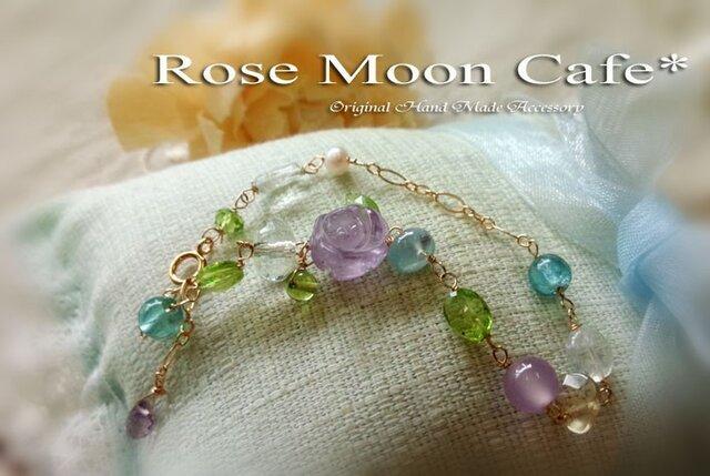 宝石質ローズアメジスト薔薇とペリドットアクアマリン天然石ブレスの画像1枚目