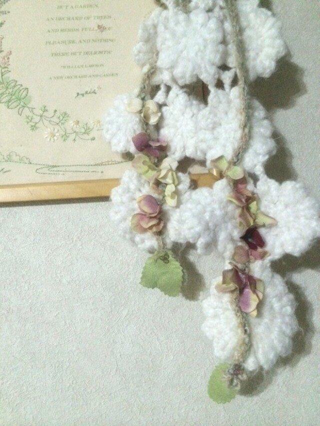 雪に散る花びら♪の画像1枚目
