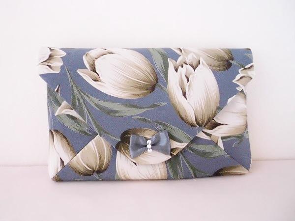 かわいいリボン付き花柄の数寄屋袋の画像1枚目
