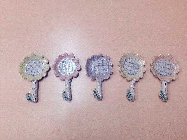 スプーン&お箸 置き ❇︎お花❇︎の画像1枚目