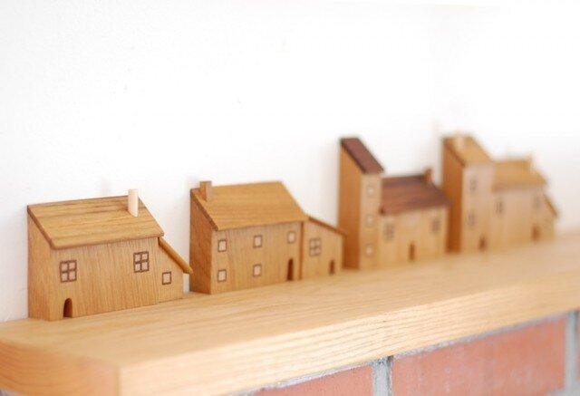 煙突屋根の家の画像1枚目