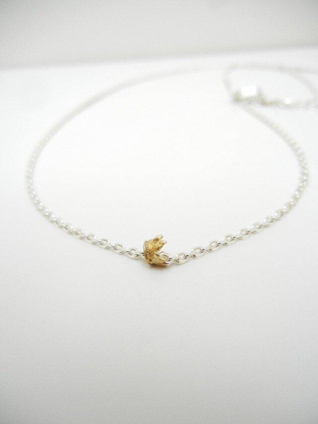 王冠(BRASS)のネックレス。の画像1枚目