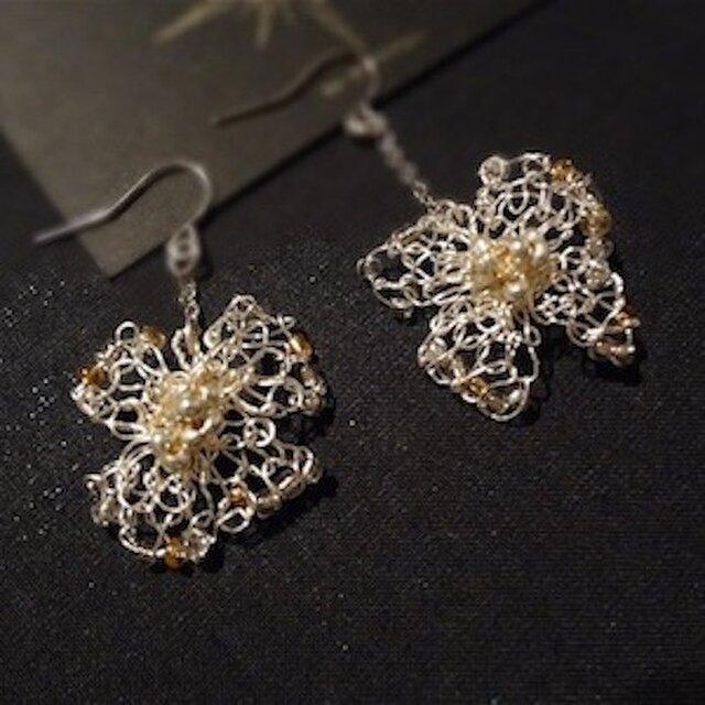 wire flower earringの画像1枚目
