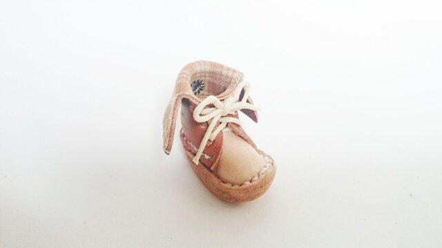 手縫いのミニチュア折り返しブーツ(茶色×チェック)の画像1枚目