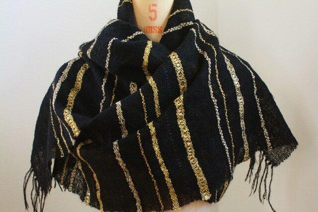 手織り 黒地にラメのストールの画像1枚目