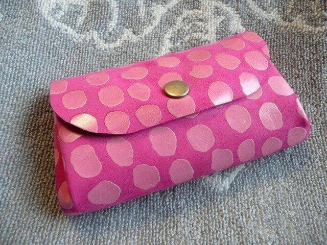 ピンクの可愛いぷっくりポーチ(ヌメ革ポケット付き)の画像1枚目