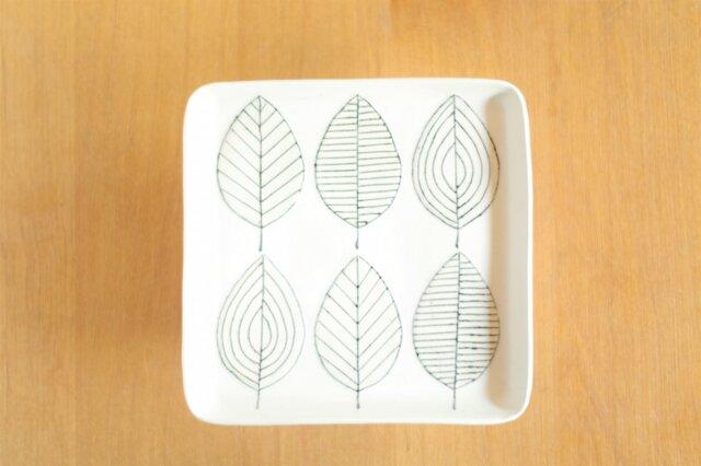 葉っぱの四角いプレートの画像1枚目