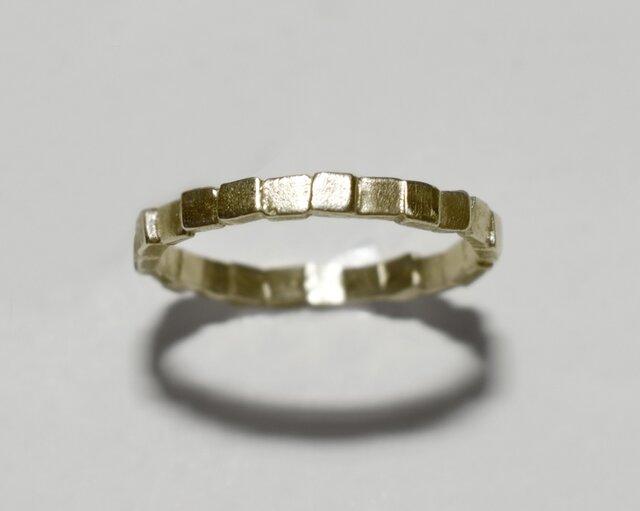 《単品/四角》真鍮の小粒幾何学モチーフリング/再販〈図形・記号・槌目・ドット・サークル〉Brass、ゴールドの画像1枚目