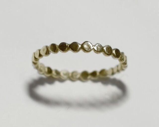 《単品/丸》真鍮の小粒幾何学モチーフリング/再販〈図形・記号・槌目・ドット・サークル〉Brass、ゴールドの画像1枚目