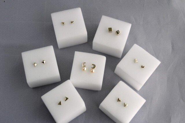 "Tiny Silver Earrings ""Chibi""の画像1枚目"