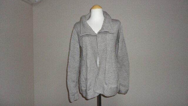 薄グレーのジャケット(カーデガン)の画像1枚目
