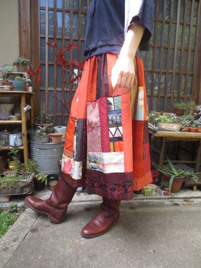 紬と銘仙で着物リメイク☆キュートな緋赤におうち柄や紅葉で75㎝丈の画像1枚目