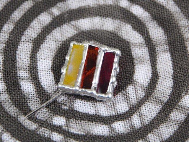 線織面の細密ステンドグラスのハットピンの画像1枚目