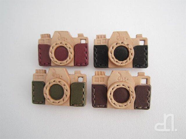 本革 カメラのブローチ(受注製作)の画像1枚目