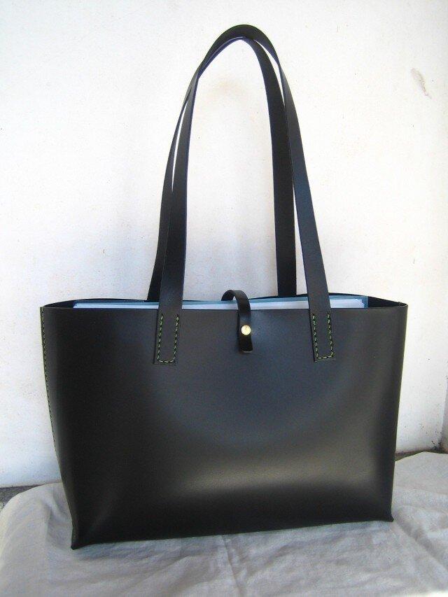 【M様オーダー品】A4サイズの黒色トートバッグ(肩掛け)の画像1枚目