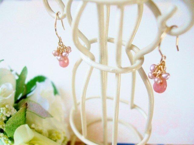 *cute!*ピンクオパールと淡水パールのピアスの画像1枚目