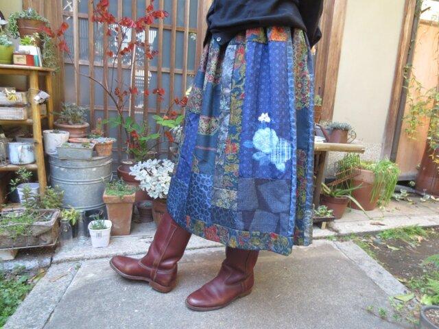 着物リメイク☆美しい藍色紬のパッチスカート♪75㎝丈の画像1枚目