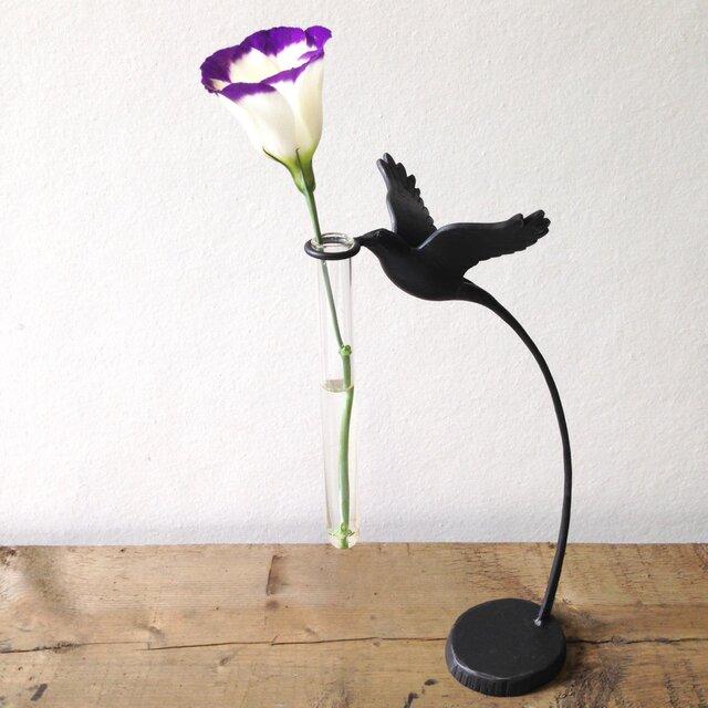 N様オーダー品 花をつむ小鳥の一輪挿しの画像1枚目