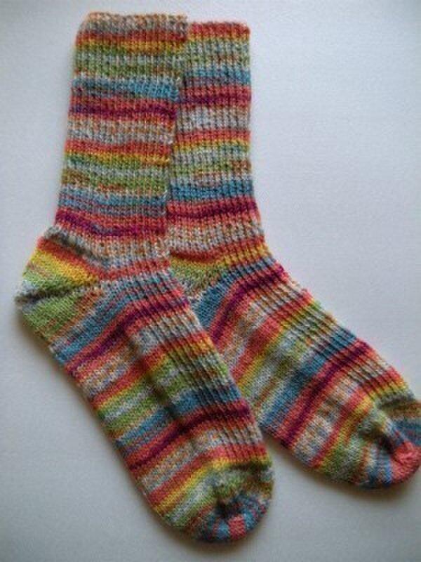 手編み靴下【レギア 4-ply color 1132】の画像1枚目
