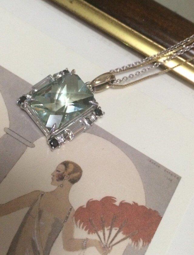 遺跡ガラスとホワイトトパーズ・ブラックダイヤのネックレスの画像1枚目