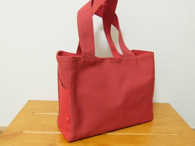 普段使いの赤色帆布トートの画像1枚目