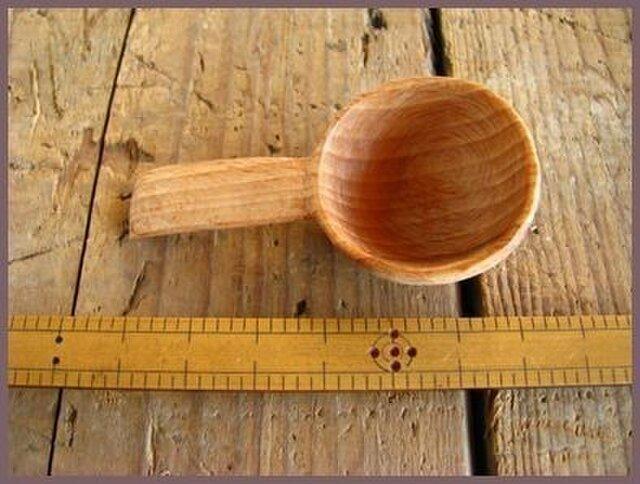 シュガースプーン(木彫り)の画像1枚目