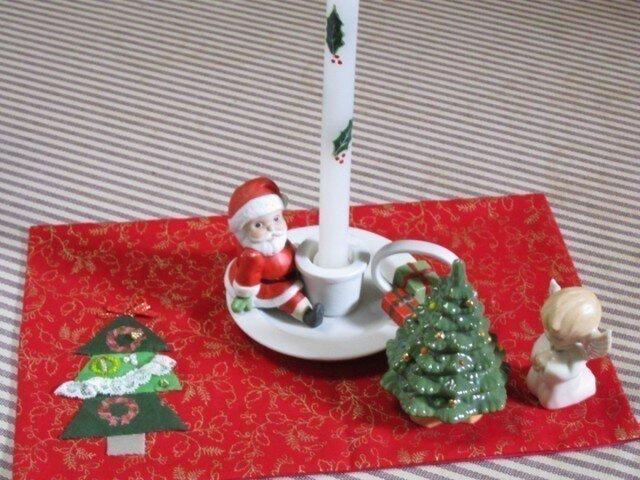 クリスマスのツリーの付いた敷物の画像1枚目