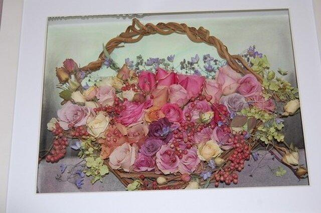 薔薇の花かごのレカンフラワーの画像1枚目