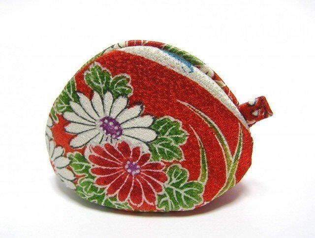 シルクで作った 貝の口 「紅葉と菊」 アクセサリーケースにの画像1枚目